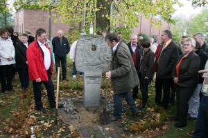 2008 - Wanderstele