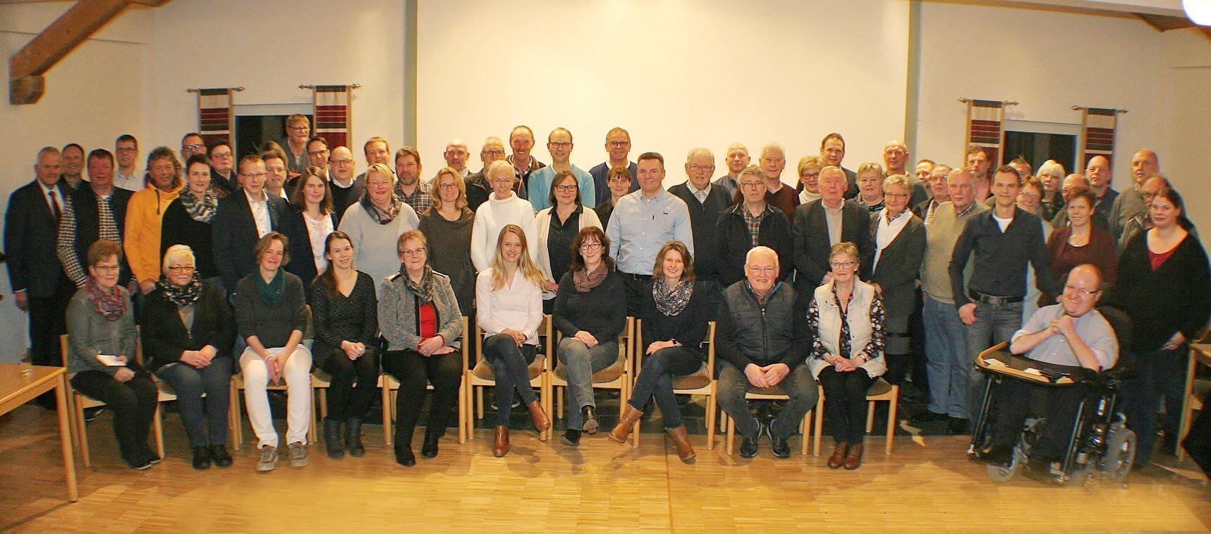 Gruppenfoto der Gründungsversammlung